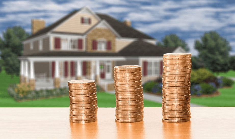 House (Asset) with coins (cashflow) in front